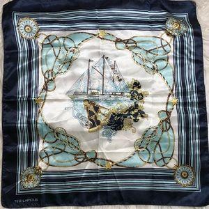 Tes Lapidus square scarf